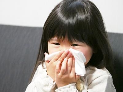 花粉症と果物アレルギーの関係が見過ごせない